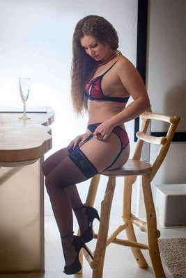Juliana escort girl Sainghin-en-Weppes