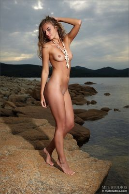 Hannah salope Nueil-les-Aubiers